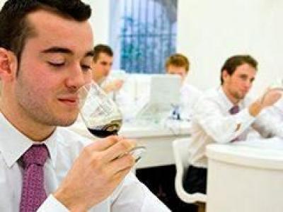 Curso Wine Experience Nivel 2 de la Escuela de Hostelería de Sevilla