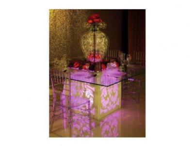 Mesa con iluminación led para eventos